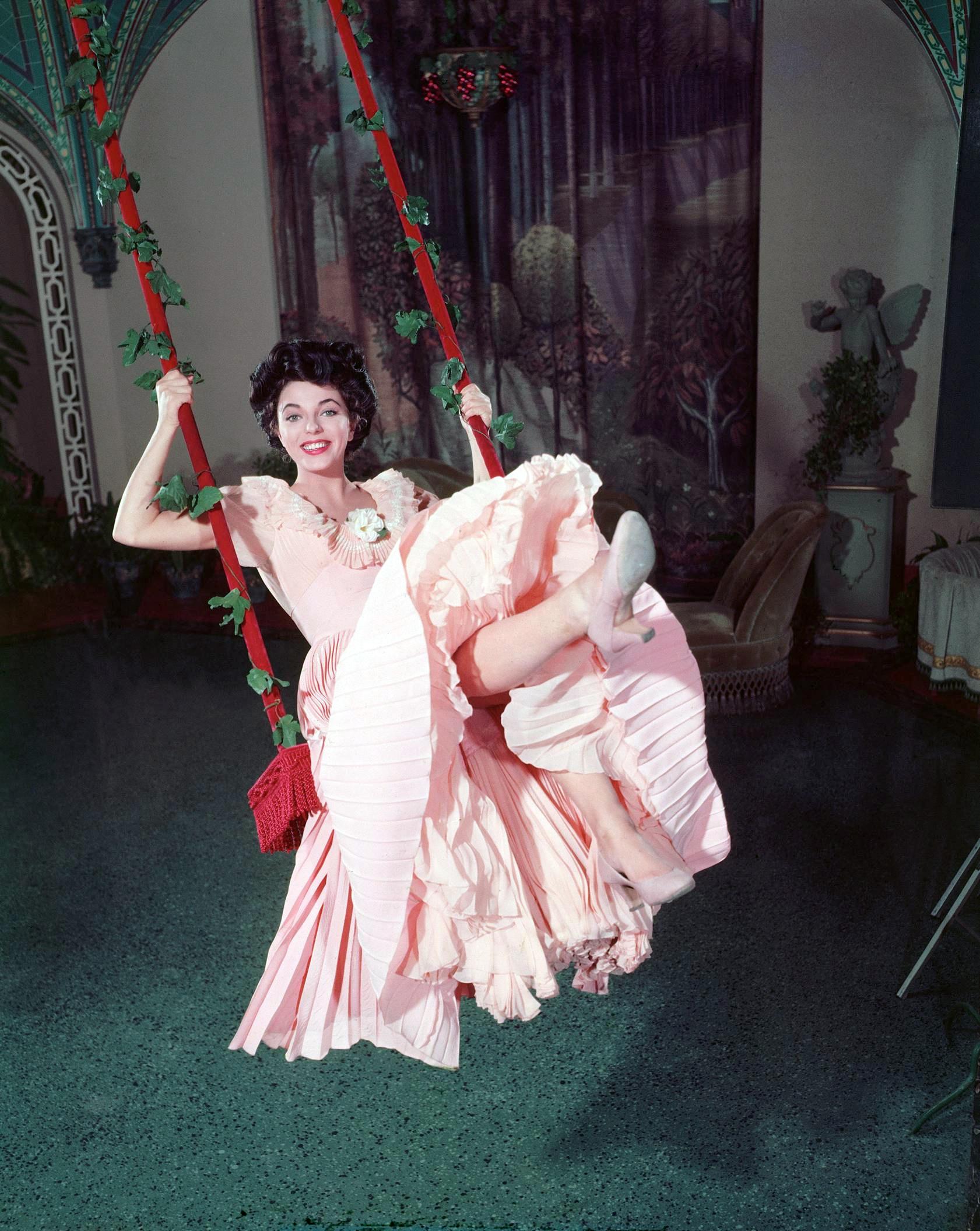 Annex - Collins, Joan (Girl in the Red Velvet Swing, The)_02